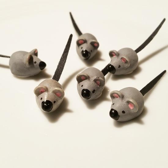 고양이들의 흔한 자세 : 쥐돌이에 대한